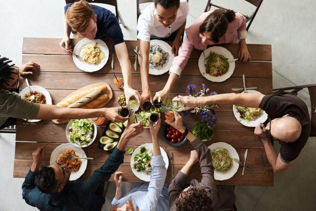 organizar un almuerzo de trabajo